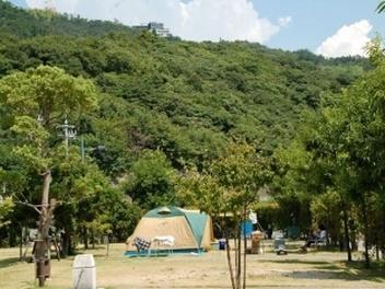 尾道マリン・ユース・センター オートキャンプ場