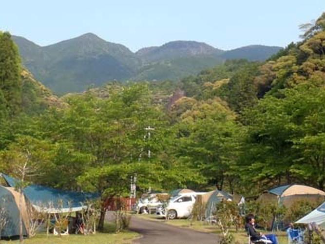 円満地公園オートキャンプ場